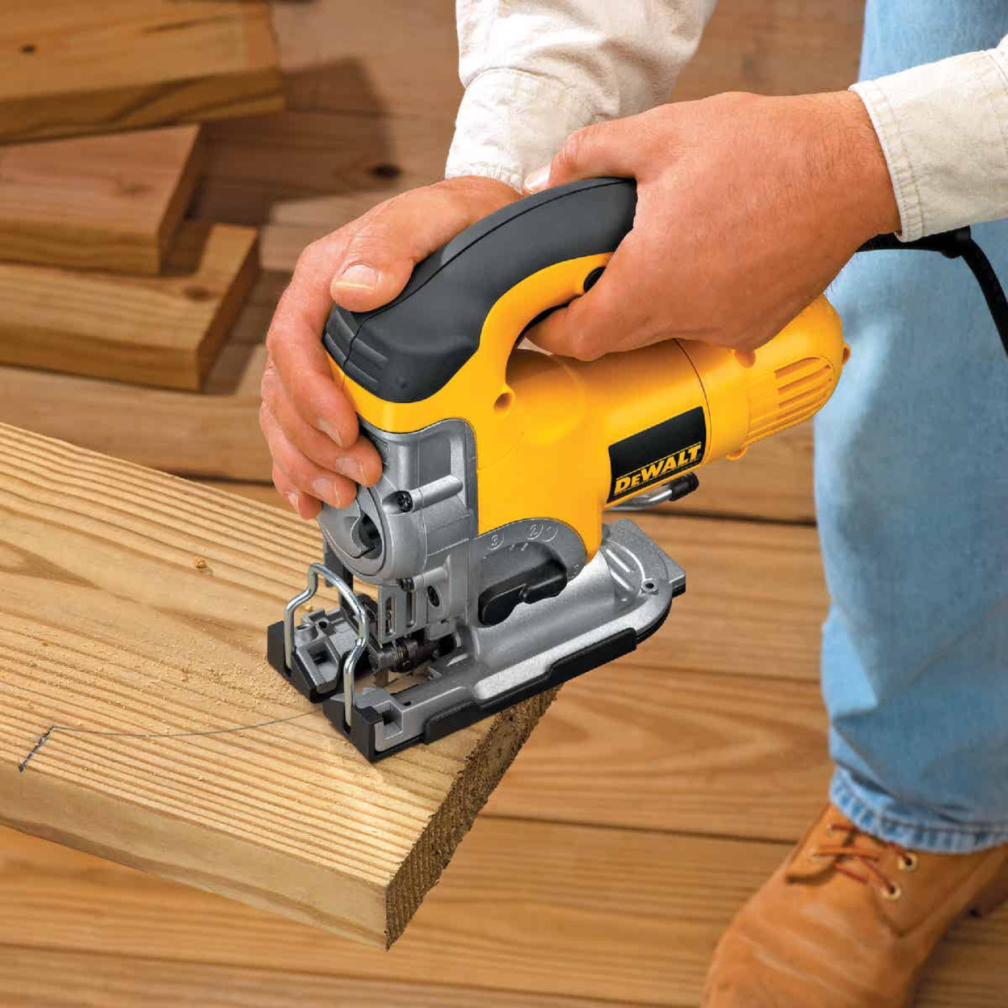 DeWalt 6.5A 4-Position 500-3100 SPM Jig Saw Kit Image 2